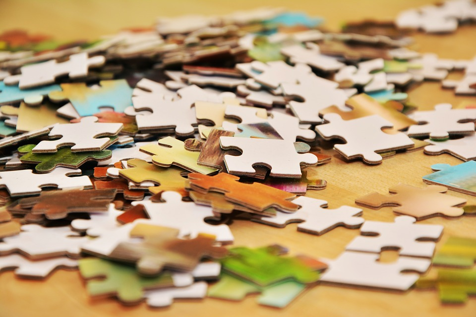 EVERY AGE IS GOOD TO ASSEMBLE A JIGSAW PUZZLE. YOU WILL NEVER BE BORED WITH US